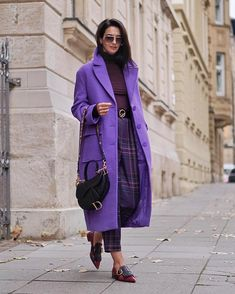 Purple love 💜 by [Anzeige/Ad] Paris Chic, Purple Outfits, Colourful Outfits, Workwear Fashion, Fashion Outfits, Womens Fashion, Purple Fashion, Colorful Fashion, Mode Purple