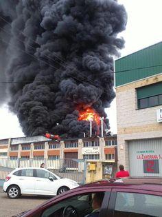 Fire in industrial district of Talavera de la Reina, Spain 3/23/15