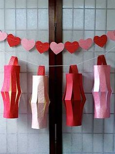 chinese lanterns, paper crafts for chinese new year celebration Chinese New Year Decorations, New Years Decorations, Feng Shui Interior Design, Chinese Paper Lanterns, Craft Images, Happy Wishes, Red Paper, New Year Celebration, Art Lesson Plans