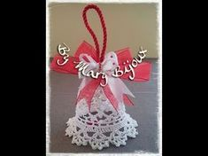 Campana uncinetto/Crocheted Christmas Bell with English surtitles Christmas Bells, Christmas Angels, Xmas, Crochet Motif, Crochet Flowers, Crochet Patterns, Crochet Christmas Decorations, Crochet Snowflakes, Tatting Patterns