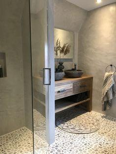 Balinesisches Bad, Bathroom Styling, Bathroom Interior Design, Rustic Bathrooms, Small Bathroom, Simple Bathroom Designs, Gray And White Kitchen, Bathroom Inspiration, Cheap Home Decor