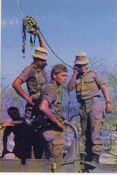 where were the satellite phones when we needed them Military Pictures, Army Pics, Vietnam, South African Air Force, Army Day, Military Love, Armed Forces, Troops, Defence Force
