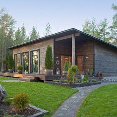 Fínsky domček ako splnenie sna o ideálnom bývaní? Metal Building Homes, Building A House, Cottage Design, House Design, Casa Patio, Weekend House, River House, Wooden House, Small House Plans