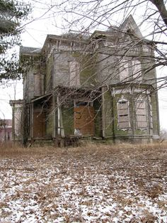 by kendrasmoocleus on Flickr - Now this is a fixer upper!