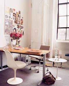 saarinen desk chair / domino