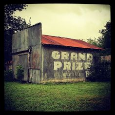 Grand Prize Beer ghost sign in Goliad, Texas, USA Mural Painting, Woman Painting, Places To Travel, Places To See, Building Signs, Barns Sheds, Ethereal Beauty, Bar Signs, Painted Signs
