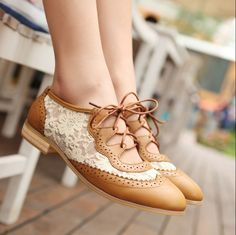 Lace brogues