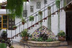 Spanish garden by vincent_jyq, via Flickr