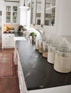 Oh I so want to do this in my kitchen!!!