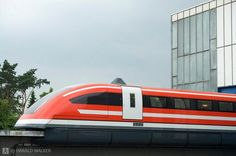 Crazy Fast Trains TR-07 – Germany The TR-07 was a German maglev train which ran from Hamburg reaching a speed of 270.3 mph in 1989. Its noise level was very much reduced owing to the engine design. Transrapid is a German monorail which is presently amongst the quickest of all the trains in the world. It is run by magnetic levitation. During its trial, the train was able to reach speed up to 450 km/hour. The newer and latest versions even reach a speed of over 500 km/hour.