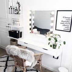____________________________________ Time to put my make up on and go to Luleå 🚙! My New Room, My Room, Decor Room, Bedroom Decor, Home Decor, Bedroom Dressing Table, Glam Room, Stylish Bedroom, Makeup Rooms