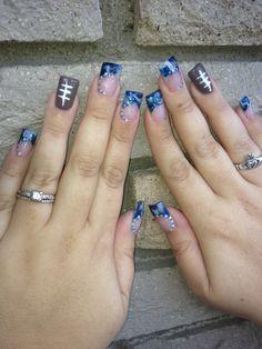 Acrylic nail marbling design