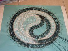 ☯ yin y yang ☯ ☯ Bobbin Lace Patterns, Lace Making, String Art, Paisley, Yang Yang, Contemporary, Abstract, Crochet, Image