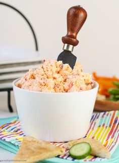 Pimento Cheese Dip: you're going to want to make TWO bowls of this delicious snack! #appetizer gluten free