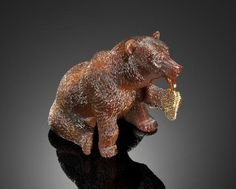 Museum-Quality Agate Carving of a Bear By Patrick Dreher, Idar-Oberstein, Germany