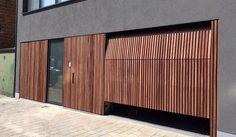 I need this good looking brown garage door Timber Garage, Modern Garage Doors, Best Garage Doors, Wood Garage Doors, Garage Door Design, Wooden Doors, Building Exterior, Garage House, Exterior Design