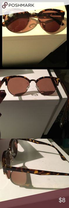 Urban Outfitters sunglasses Urban Outfitters sunglasses brown Urban Outfitters Accessories Sunglasses