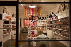 wow! Modern, but colorful and sharp. Very nice --- i gotted a cavity just looking at this store.