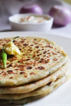 Aloo Methi Ka Paratha (Potato And Fenugreek leaves Stuffed Bread) is a soft and filling bread. This paratha is super tasty and nutritious also. Indian Food Recipes, Vegetarian Recipes, Cooking Recipes, Indian Snacks, Cooking Tips, Alu Paratha, Methi Recipes, Gujarati Recipes, Aloo Methi
