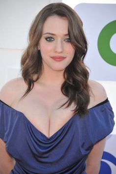 60 Sexy and Hot Kat Dennings Pictures - Bikini, Ass, Boobs - Sharenator Kat Dennings, Beautiful Celebrities, Beautiful Actresses, Beautiful Women, Glamour, Christina Hendricks, Sensual, Hollywood Actresses, Curves