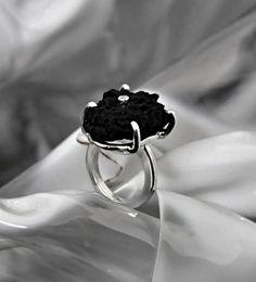 "Silberring ""Black ´n´ White"" - www.wolfsschmiede.com Black N White, Gold, Jewellery, Rings, Silver, Handmade, Jewelery, Black White, Money"