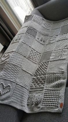 Mijn versie van Last dance on the beach. De Scheepjes Cal van Ik vind he… My version of Last dance on the beach. De Scheepjes Cal of I think it's a pleasure to make the blanket. Knitted Afghans, Crochet Blanket Patterns, Knitted Blankets, Crochet Stitches, Knitting Patterns, Crochet Granny, Crochet Baby, Free Crochet, Knit Crochet