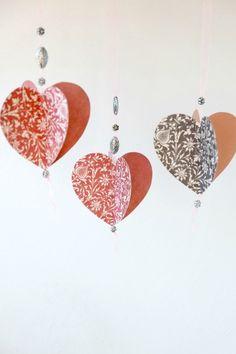 Как сделать объемные сердечки из бумаги своими руками