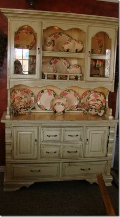 """I love an open china hutch and the visual feast of displayed china, in this case Franciscan's """"Desert Rose."""" They're the same dishes I inherited from my Grandma. Desert Rose Dishes, Antique Dishes, Antique Hutch, Villeroy, Country Decor, Vintage Kitchen, Furniture Makeover, Painted Furniture, China Cabinets"""