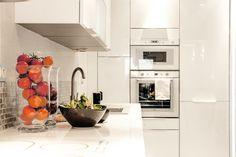 Vacation Home in Nice - Piano completamente attrezzata cucina - frigorifero/congelatore, microonde, forno, lavatrice, lavastoviglie.