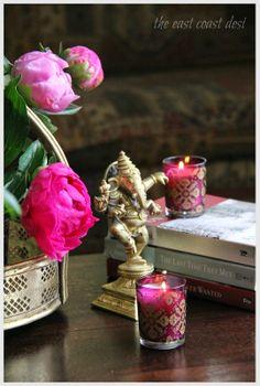 the east coast desi: Home decor Gypsy Home Decor, Indian Home Decor, Indian Decoration, Colourful Living Room, Indian Living Rooms, Ethnic Decor, Moroccan Decor, Diy Diwali Decorations, Vignette Design
