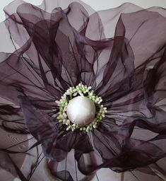 Giant Paper Flowers, Diy Flowers, Crochet Flowers, Paper Installation, Organza Flowers, Flower Making, Event Decor, Origami, Backdrops