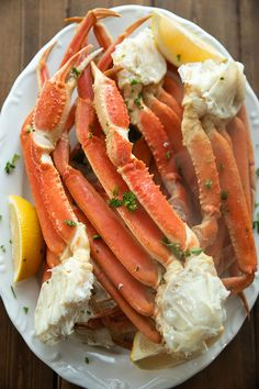 How To Cook And Eat Snow Crab Legs At Home Recipe In 2020 Cooking Crab Legs Crab Legs Recipe Crab Legs