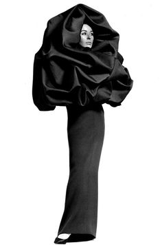 Model is wearing a Creation Haute Couture of Balenciaga,in 1967.