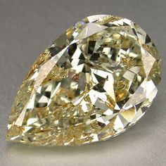 Sparkling Light Yellow Pear Loose Diamond