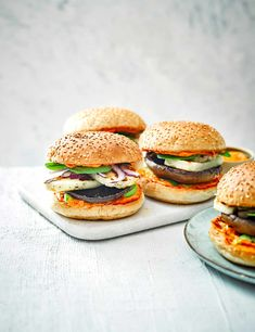We love halloumi cheese! Try our best halloumi recipes, including halloumi salads and a halloumi grill. Use our expert guide how to cook halloumi properly Best Vegan Burger Recipe, Best Veggie Burger, Vegan Burgers, Burger Recipes, Vegetarian Recipes, Cooking Recipes, Healthy Recipes, Healthy Food, Veggie Snacks