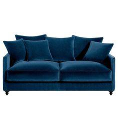 Canapé convertible 3 places LAZARE, velours.Fabrication italienne.Un canapé très élégant sous influence classique, totalement actualisé !Confort d'assise : accueil moelleux, soutien souple.Confort dossier : moelleux et enveloppant.Assise : hauteur et profondeur standard.Dimensions du canapé LAZARE :- L184 x H93 x P105 cm (avec 3 coussins de dossier et 2 coussins d'assises + 3 coussins d'appoint).- Assise : L165 x H45 x P50 cm.- Dimensions du couchage : larg. 140 x Long. 185 cm.Description…