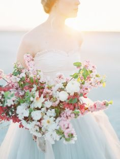 bright pink & blush bridal bouquet | image via: wedding sparrow