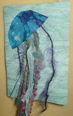 Craft Tutorials, Do It Yourself Crafts, Pictures & Crafting Patterns - Craftster--jellyfish on ATC but larger would be sweet