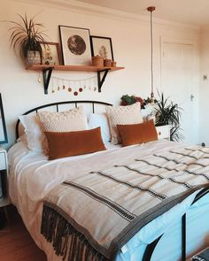 Home Decoration For Small House Room Ideas Bedroom, Home Bedroom, Diy Bedroom Decor, Home Decor, Bedroom Inspo, Bedroom Designs, Bedroom Furniture, Decoration Inspiration, Decor Ideas