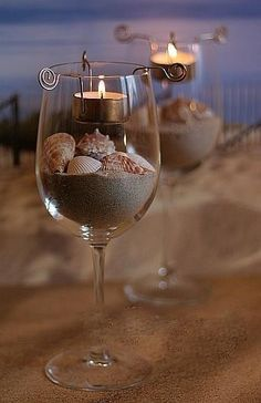 Candlelight Wine glass w/sand and sea shells