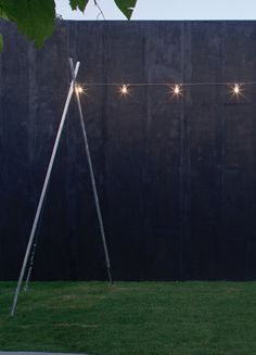 catenaria di luce serpentine Alvaline / peter zumthor 2011 , IP44 suspension light fitting for outdoor. realized with a 25mt long electric wire, on which con be applied, to the desired distance, 3000K 4W 24Vdc led light sources or 25W 24Vca light bulbs. led light sources are available in different models.
