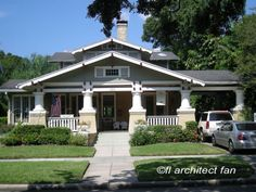 Simple Craftsman Bungalow House Plan to Impress Craftsman Bungalow House Plans, Craftsman Exterior, Bungalow Homes, Craftsman Style Homes, Craftsman Bungalows, Bungalow Porch, Bungalow Designs, Craftsman Kitchen, Style At Home
