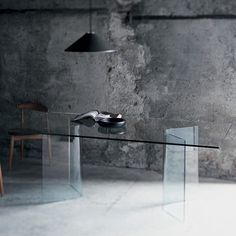 Glas Italia Lindos Alto Dining Table - modern - dining tables - - by Switch Modern Italian Bedroom Furniture, Space Furniture, Luxury Furniture, Modern Furniture, Glass Dining Table, Modern Dining Table, Dining Table In Kitchen, Traditional Dining Tables, Curved Glass