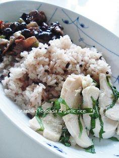 Brazilian feijoada and garlic rice Brazlian night dinner.  ummm, yummmm!  たまには、ブラジリアンでも そんなブラジルの家庭料理のフェイジャンと黒米入りのガーリックライス。 レシピ→http://enjoyk.exblog.jp/20987542/