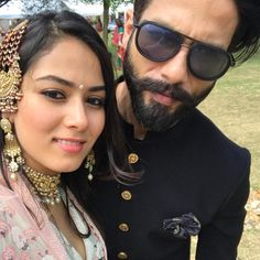 Shahid Kapoor and Mira Rajput pose for a cute selfie. Bollywood Couples, Bollywood Actors, Bollywood Celebrities, Bollywood News, Indian Groom Wear, Indian Wear, Mira Rajput, Glamour World, Shahid Kapoor