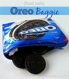Recycled Oreo Cookie Bag to a Zipper Bag @ sewlicioushomedecor.com