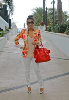 FLORAL BLAZER AT HISPANICIZE