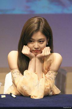 Black Pink Yes Please – BlackPink, the greatest Kpop girl group ever! Kpop Girl Groups, Korean Girl Groups, Kpop Girls, Blackpink Jennie, Yg Entertainment, Forever Young, Rapper, Jenny Kim, Black Pink
