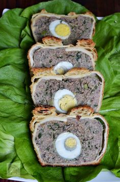 Romanian Food, Salmon Burgers, Avocado Toast, Carne, Appetizers, Food And Drink, Healthy Recipes, Breakfast, Ethnic Recipes