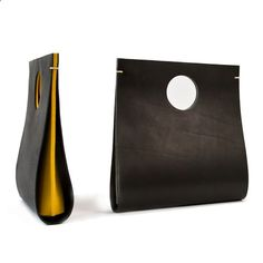zoonibo: Yeh Design Lab founder Yi-Hsiu Yeh is an architect .- zoonibo: Yeh Design Lab Gründer Yi-Hsiu Yeh ist ein Architekt mit einem absolut… zoonibo: Yeh Design Lab founder Yi-Hsiu Yeh is an architect with an absolutely … - Leather Bags Handmade, Handmade Bags, Leather Craft, Leather Clutch, Clutch Bag, Leather Handbags, Leather Projects, Leather Design, Leather Accessories